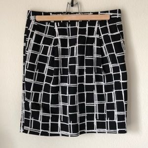 \GAP\• Patterned Skirt with Pockets